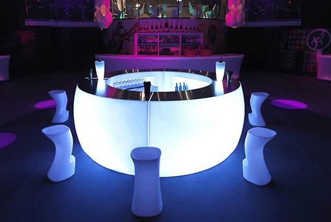 Verlichte meubels voor de feestdagen - EventGoodies