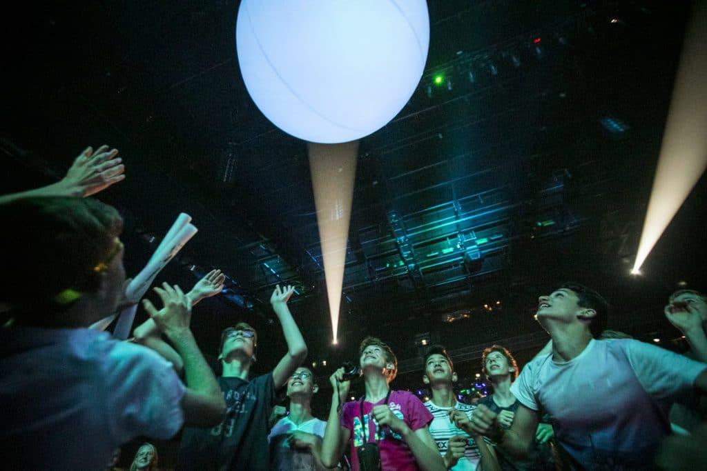 LED-ballen in het publiek
