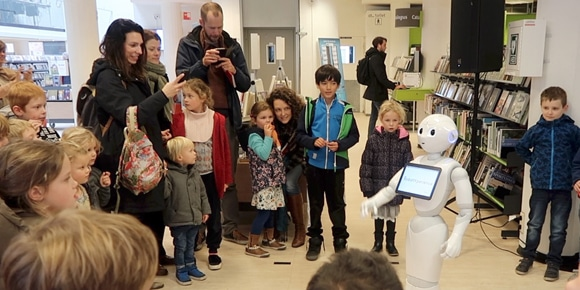 Robot als host