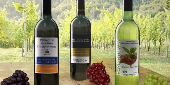 Bedrukte wijnflessen
