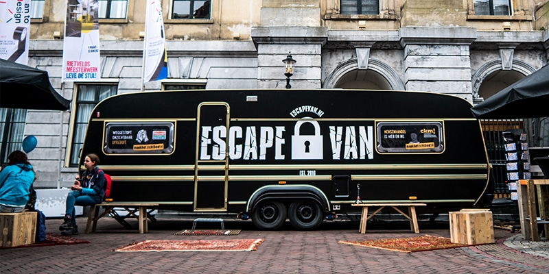 Een escape room in een caravan