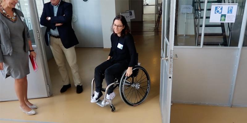 Toegankelijkheid: Samira test rolstoel