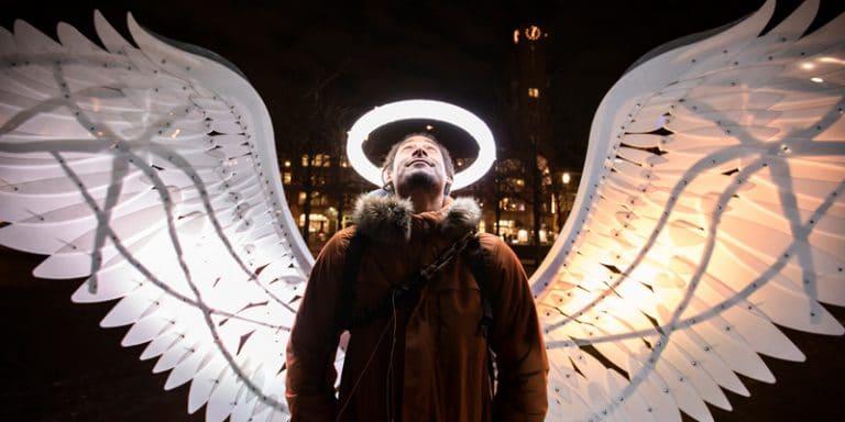Op de foto als een engel
